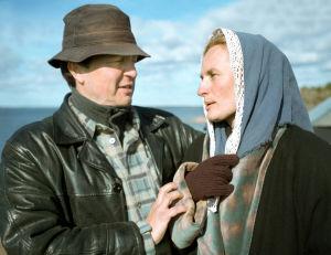 Ohjaaja Pekka Ruohoranta ja Sara Paavolainen Vennyn kuvauksissa (2003).