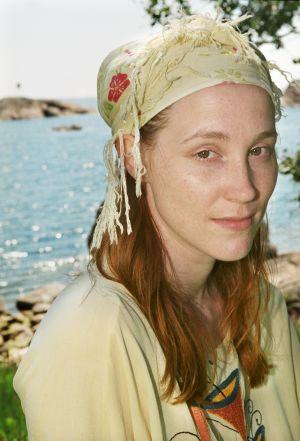 Minna Puolanto (Maggi Gripenberg) tv-draamassa Venny (2003).