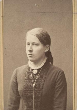 Venny Soldan 12-vuotiaana (1881).
