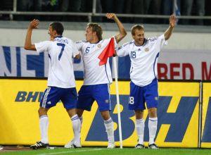 Totalt 37 landskamper blev det för Daniel Sjölund, här med Roman Eremenko och Mika Väyrynen år 2008.