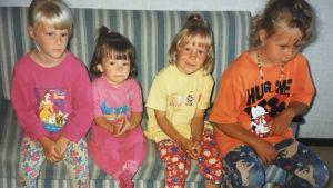 Heidi, Teresa, Linda ja Johanna lapsina