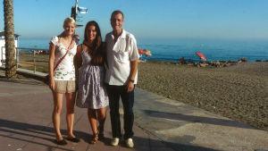 Heidi, Teresa ja Teresan isä Paco Espanjassa