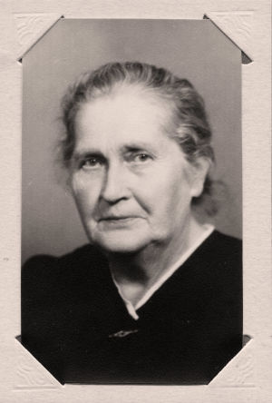 Meri Louholksen isoäiti isän puolelta, Hildur Louhos.