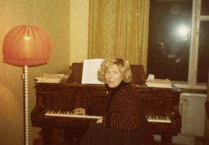 Meri Louhos Moskovan konservatorion asuntolassa 1978.