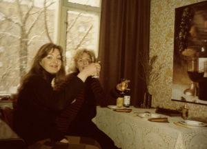 Meri Louhos ja Taru Loppela Moskovan konservatorion asuntolassa 1978.