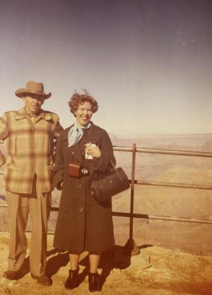 Meri Louhos ja cowboy ja Grand Canyon 1961.