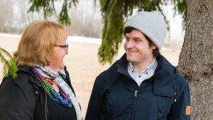 Soitonopettaja Anna Maja ja Lauri Danska
