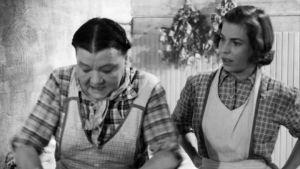 Hanna Nieminen (Senni Nieminen) ja Iita (Rauni Ikäheimo).