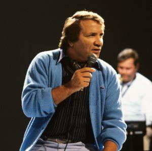 Eino Grön lavalla vuonna 1983.