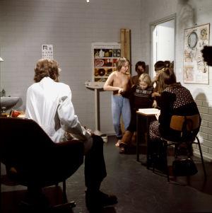 Ote lastendraamasta Villahousupakko (1977).