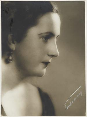 Minna Talvik-Palmgren 1930-luvun alussa.