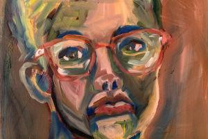 Yksityiskohta Elina Lehtorannan maalaamasta omakuvasta. Maalauksessa silmälasipäinen nainen katsoo suoraan. Maalauksessa on käytetty voimakkaita värejä.