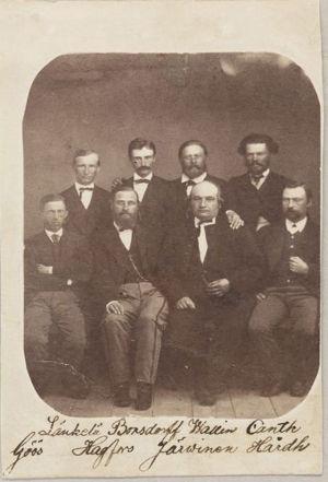 Jaako Länkelä, Ernst Bonsdorff, Olai Wallin, Johan Ferdinand Canth (ylärivi, oik.), istumassa vasemmalta Karl Gustaf Göös, Erik August Hagfors, Nestor Järvinen, Johan Rafael Hårdh