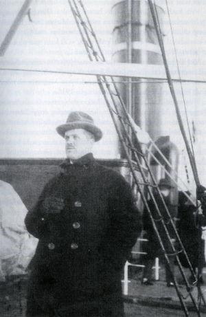 Mirjam Helinin isä Oskar Rokkanen menossa liikematkalle Saksaan 1930-luvulla.