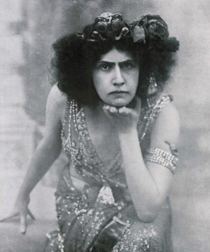 Oopperalaulaja Aino Ackté Salomen roolissa noin 1907.
