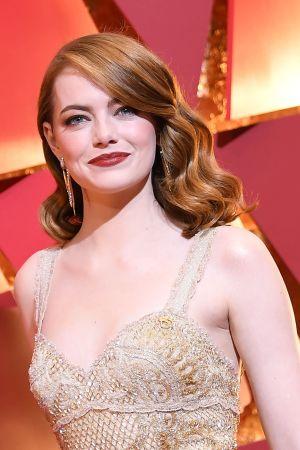 Emma Stone anländer till Oscarsgalan 2017.