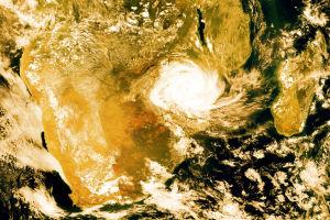 Satelliittikuvaan pohjautuva kuva Idai-hirmumyrskystä Mosambikin yllä.