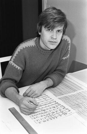 Säveltäjä Olli Kortekangas 1980-luvun puolivälissä.