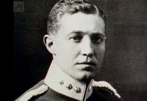 Ensimmäisen suomalaisen vapaajoukon komentaja Martin Ekström (1919).