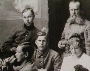 Pohjan Poikia kestittävinä Tartossa (1919).