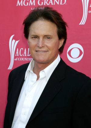 Bruce Jenner med kostym.