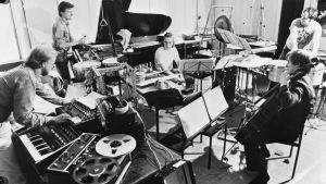 Toimii-yhtye harjoittelee noin 1982.