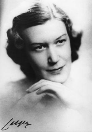 Viulutaiteilija Anja Ignatius noin 1930-luvun lopulla.