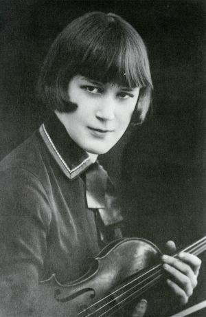 Anja Ignatius Pishekissä 1920-luvun lopulla.