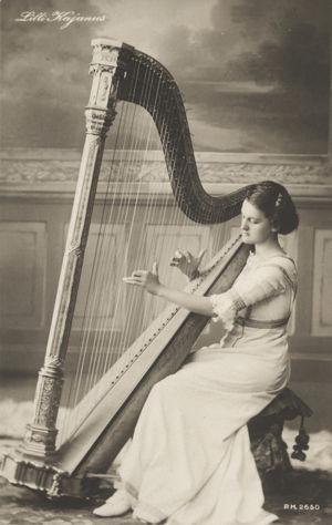 Lilly Kajanus 1910-luvulla.