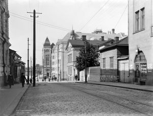 Suomen Kansallisteatteri Vilhonkadun päässä 1907.