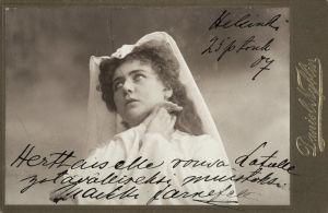 Maikki Järnefelt Tannhäuserin Elisabethina Kansallisteatterissa 1904.
