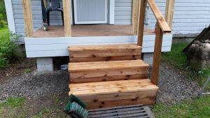 En ny trappa. J-P.