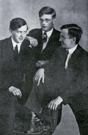 Ystävykset Eero Koskimies, Uuno Klami ja Alvar Andström 1920-luvun alussa.