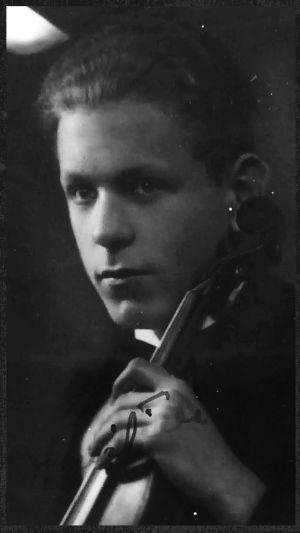 Viipurilainen viulisti Olavi Tilli vuonna 1933.