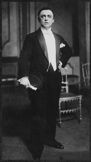 Viipurin Näyttämön näyttelijä Arvi Tuomi 1920-luvulla.