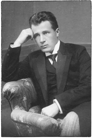 Nuori säveltäjä Leevi Madetoja.