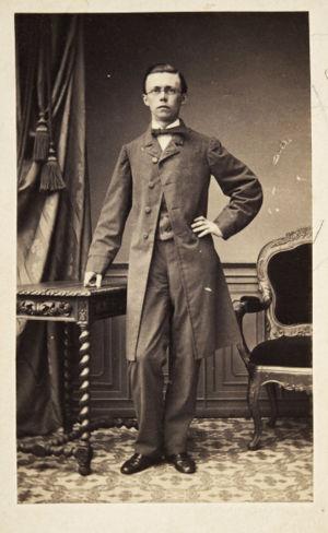 Nuori Richard Faltin opiskelukaupungissaan Leipzigissa.