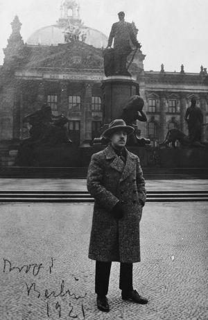 Viulutaiteilija Arvo Hannikainen Berliinissä 1921.