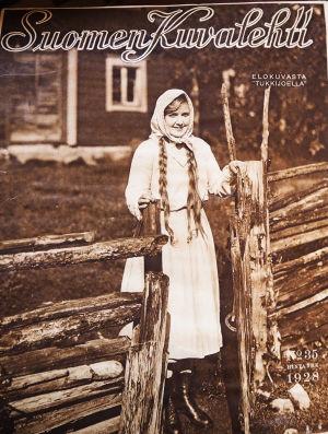 Mary Hannikainen, Tukkijoella-elokuvan tähti Suomen Kuvalehden kannessa 1928.