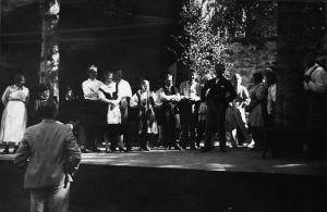Ilmari Hannikaisen Talkootansseja harjoitellaan Savonlinnan Oopperajuhlilla 1930.