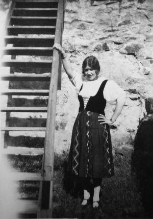 Mary Hannikainen Savonlinnan Oopperajuhlilla 1930 Leevi Madetojan Pohjalaisten Liisana.