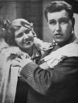 Mary Hannikainen ja Gerog Malmstén elokuvassa Voi meitä, anoppi tulee! vuonna 1933.