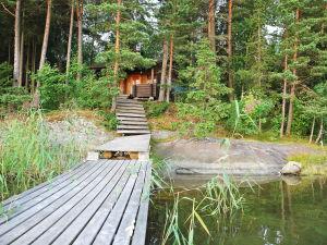 Sommarstuga vid vattnet.