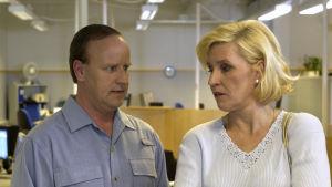 Paavo (Lasse Karkjärvi) ja Raili (Eija Vilpas)