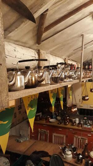 Ca 80 kaffepannor. Krister Stenback, Yttermark.