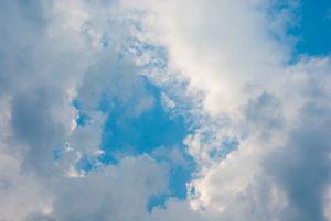 pilviä ja taivasta