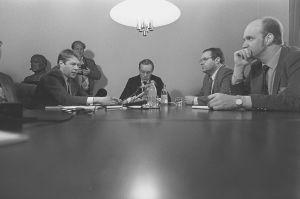 Amtti Ahde, Harri Holke ja Ilkka Suominen hallitusneuvotteluissa  1987.