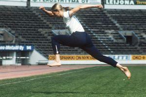 Mona-Lisa Pursiainen tränar på Olympiastadion, 1974.