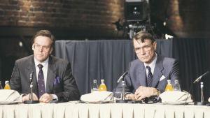 Kalevi Kivistö ja Mauno Koivisto vaalivalvojaisissa 1988