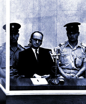 Natsi Adolf Eichmann oikeudessa.